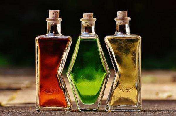 bottles-1640820__340.jpg