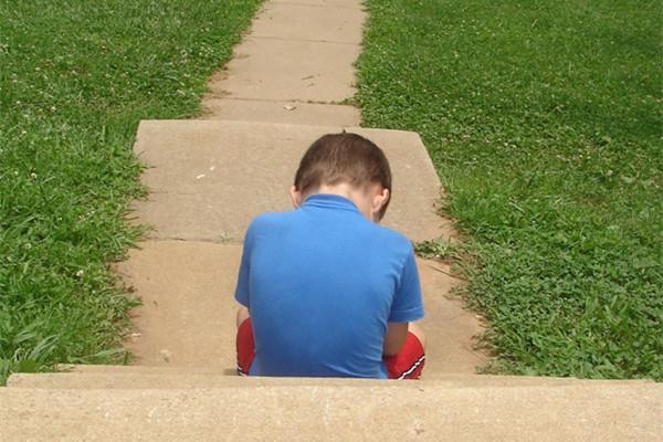 nieszczesliwe dziecko fot sxc hu.jpg